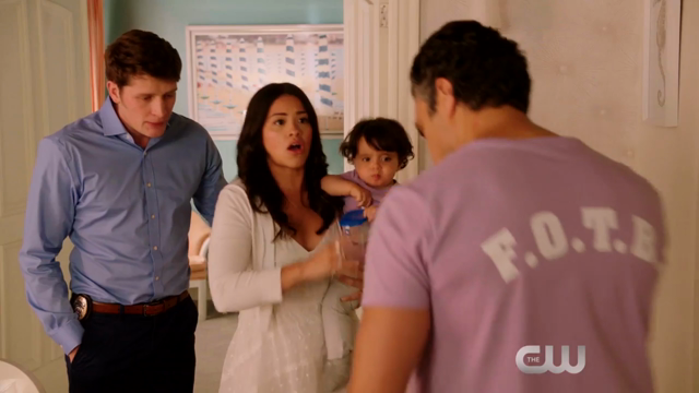 Jane the Virgin - Episode 2.22 - Chapter Forty Four (Season Finale) - Promos *Updated*